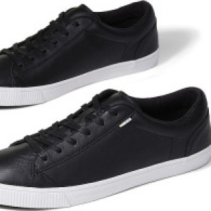 Toms Carlson Leather 1
