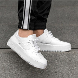 Nike Air Force 1 Sage 1